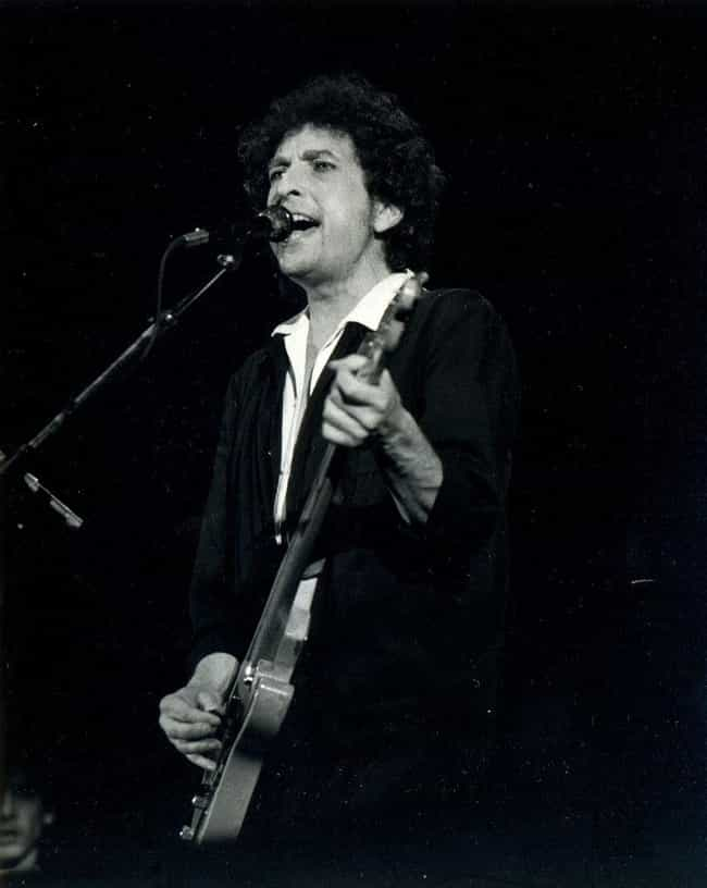 He Has Never Had A No. 1 Song,... is listed (or ranked) 2 on the list Interesting Bob Dylan Facts You May Not Know