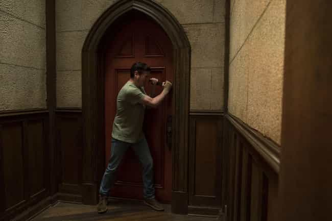 Hugh Can't Enter The Red... is listed (or ranked) 3 on the list The 13 Most Compelling 'Haunting Of Hill House' Fan Theories