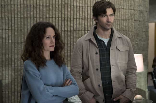 Elizabeth Reaser Felt 'C... is listed (or ranked) 2 on the list Behind-The-Scenes Stories From 'The Haunting Of Hill House'