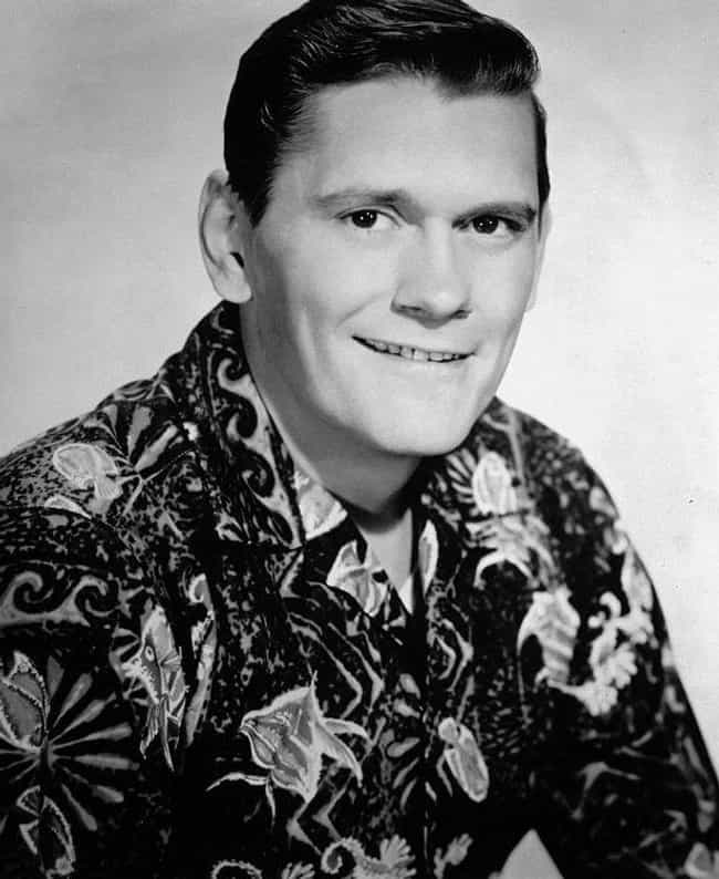 Dick York Had To Leave The Sho... is listed (or ranked) 1 on the list Behind-The-Scenes Stories Of 'Bewitched'