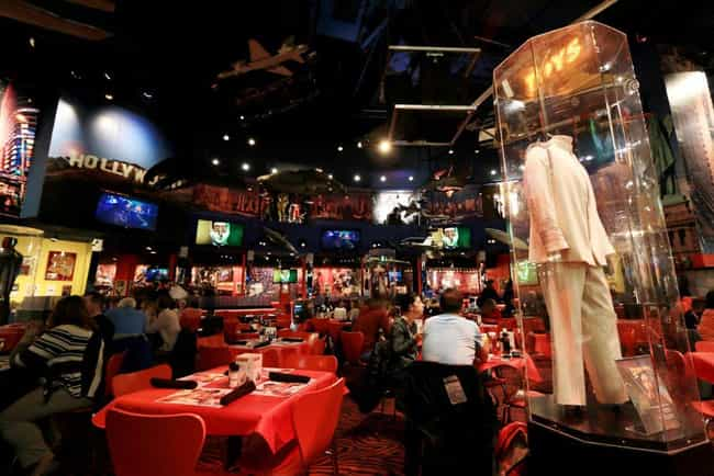 Movie Props Filled The Walls, ... is listed (or ranked) 4 on the list Planet Hollywood, A Restaurant Starring Bruce Willis And A Bunch Of Celebs, Was A $1 Billion Flop