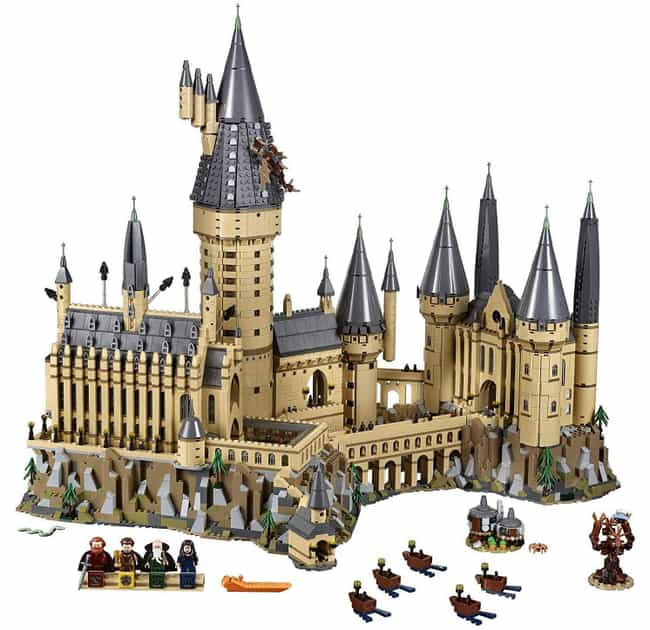 Hogwarts Castle is listed (or ranked) 3 on the list The Best LEGO Sets Over 1,000 Pieces