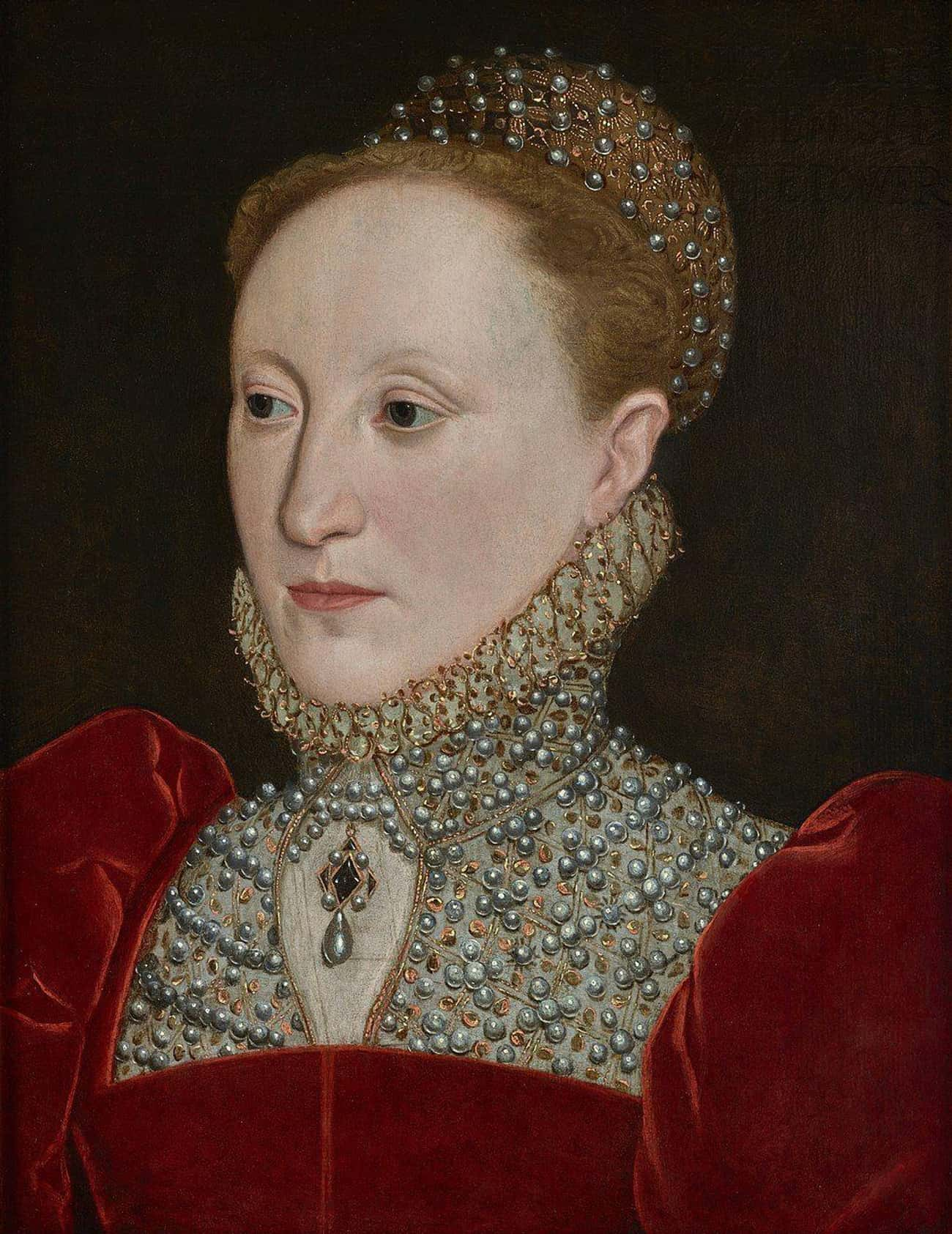 She Wore Lead Makeup For A Wee is listed (or ranked) 4 on the list Queen Elizabeth I Was Probably Killed By The Makeup Required For Her Signature Look