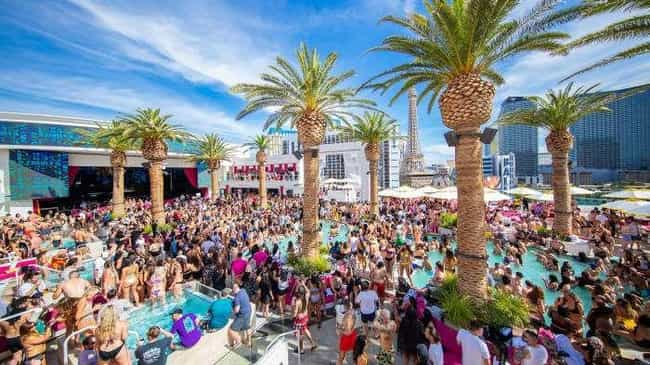 Drai's Beachclub is listed (or ranked) 1 on the list The Best Day Clubs In Las Vegas