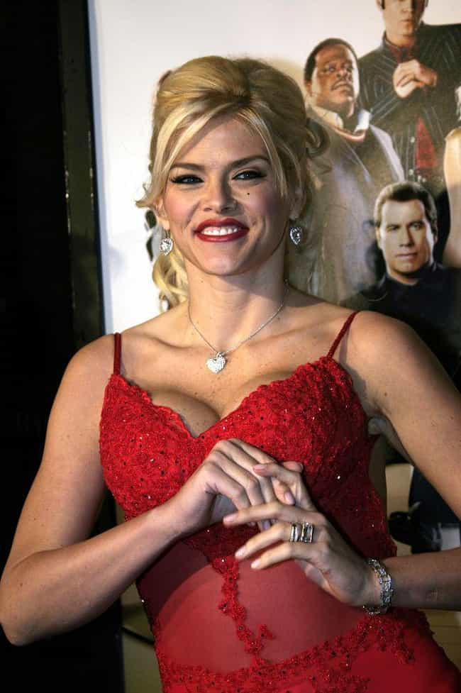 She Met J. Howard Marshall Whi... is listed (or ranked) 1 on the list The Multi-Million Dollar Scandal That Drove The Media To Love To Hate Anna Nicole Smith
