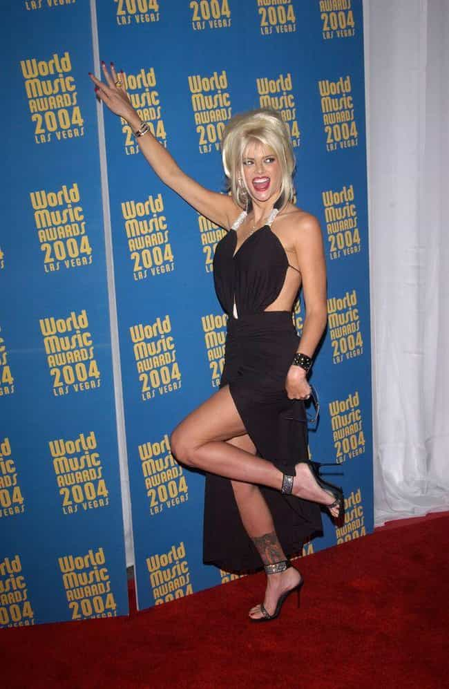 The Legal Battle Over J. Howar... is listed (or ranked) 4 on the list The Multi-Million Dollar Scandal That Drove The Media To Love To Hate Anna Nicole Smith
