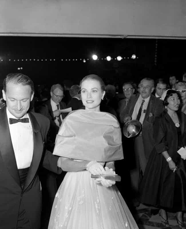 Grace Kelly Arrives At The Osc... is listed (or ranked) 8 on the list Photos Of Old Hollywood Stars At The Oscars