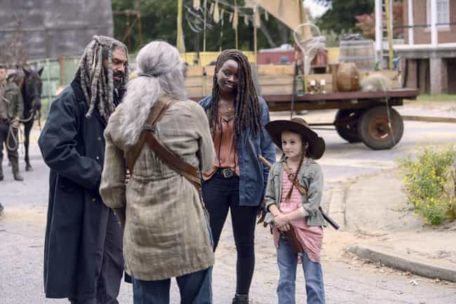 The Communities Sign A Declara... is listed (or ranked) 3 on the list Everything That Happened In 'The Walking Dead' Season 9, Episode 15