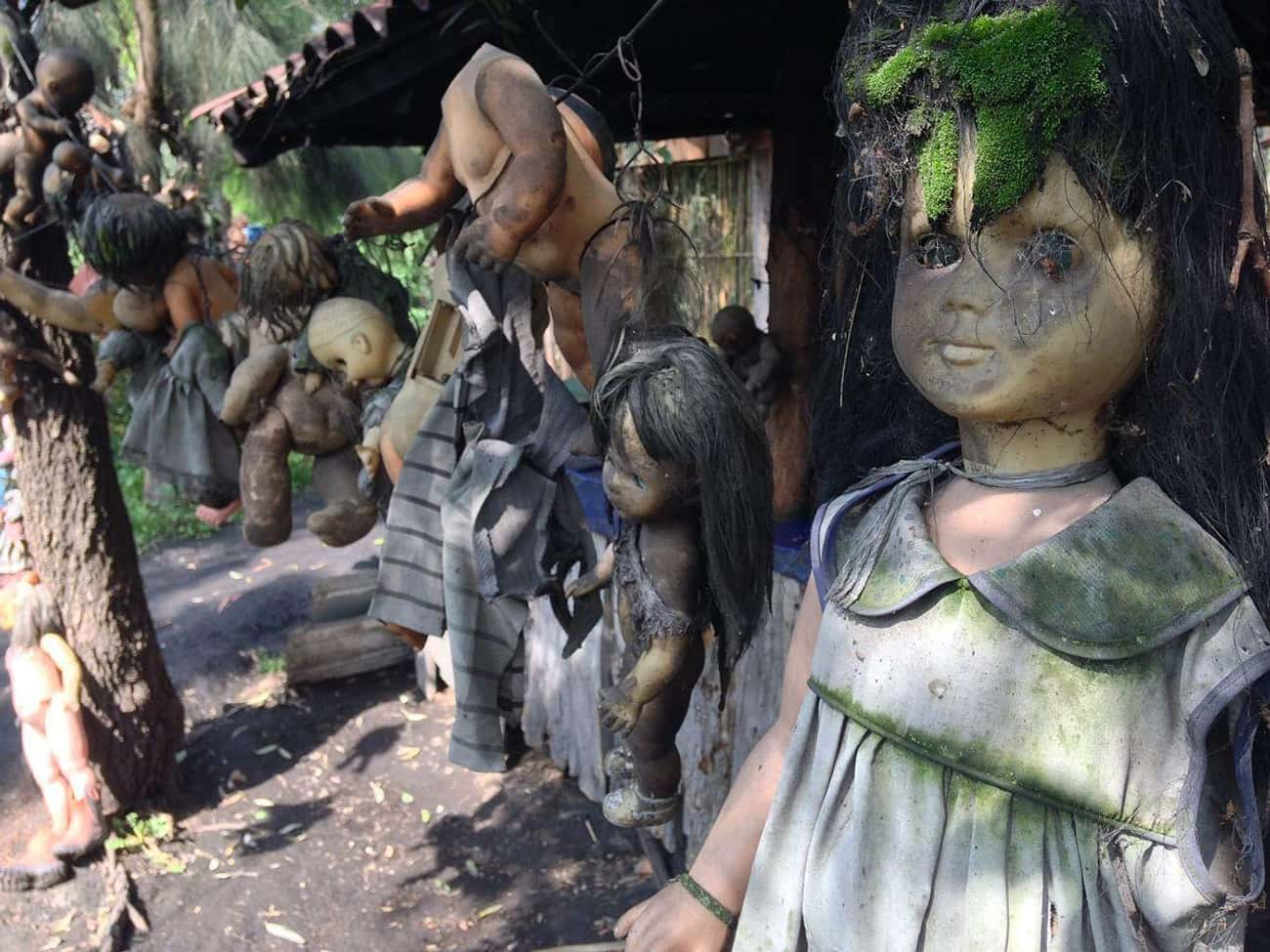 The Island Of The Dolls is listed (or ranked) 1 on the list Here Are The Most Haunted Places You Can Visit In Mexico City