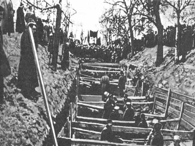 Mass Burial Of October R... is listed (or ranked) 2 on the list The Creepiest, Most Haunting Photos Of The Russian Revolution