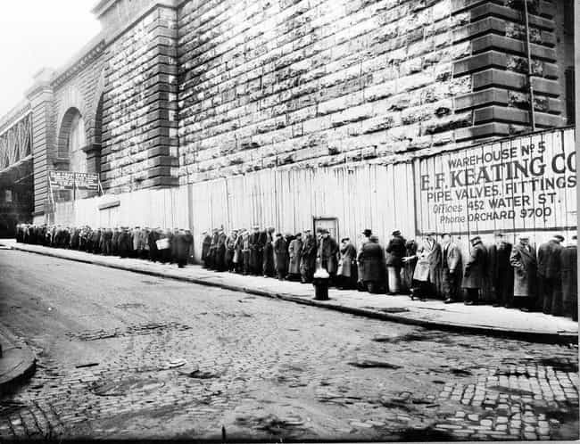 A Bread Line Wraps Around The ... is listed (or ranked) 1 on the list The Most Disquieting Photos Of The Great Depression