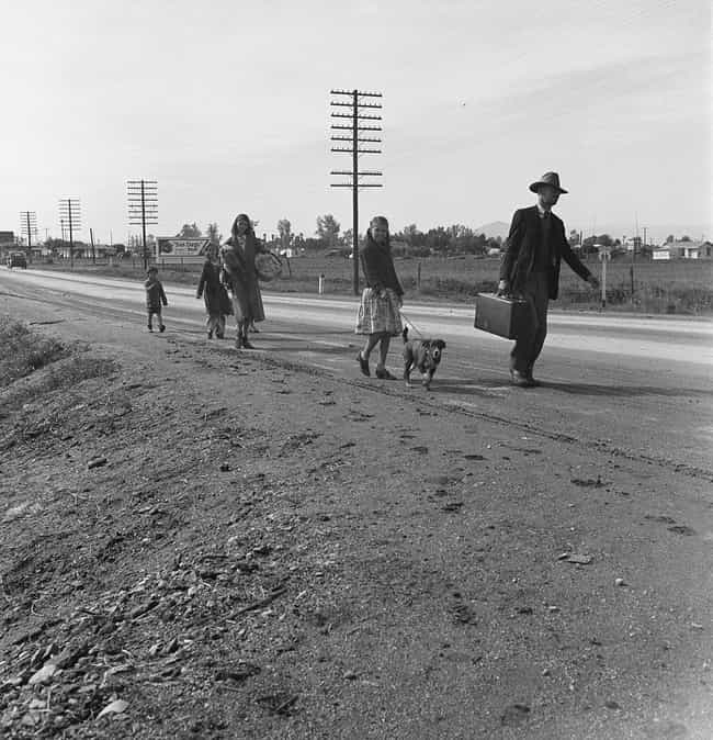 A Homeless Family Walks From P... is listed (or ranked) 2 on the list The Most Disquieting Photos Of The Great Depression