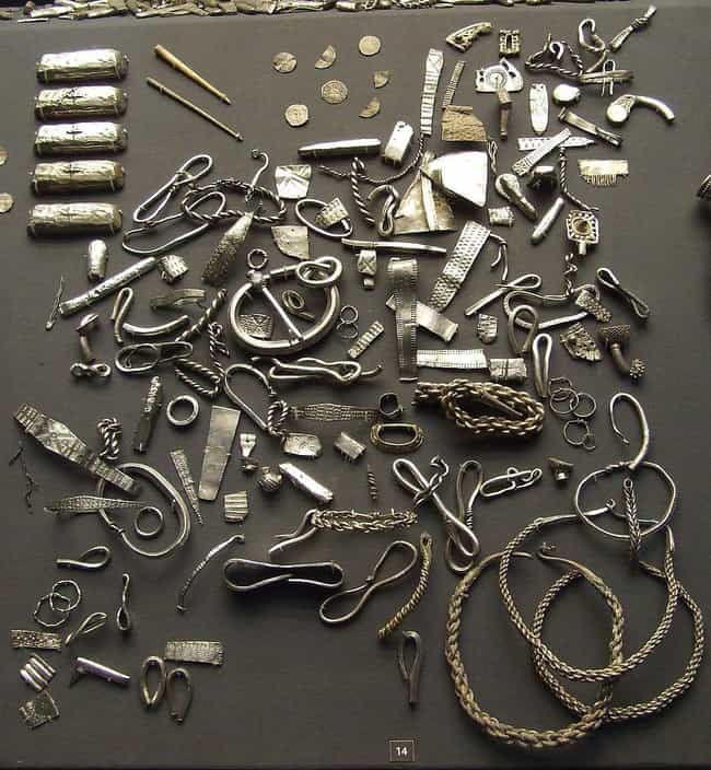 Wearing Jewelry is listed (or ranked) 7 on the list Everyday Activities That Can Be Directly Traced Back To Pagan Culture