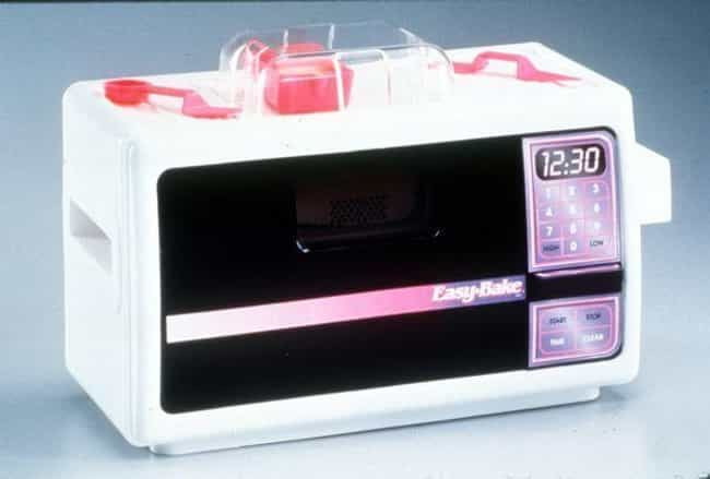 Easy-Bake Oven is listed (or ranked) 3 on the list '90s Toys Whose Commercials Were Way Better Than The Real Thing