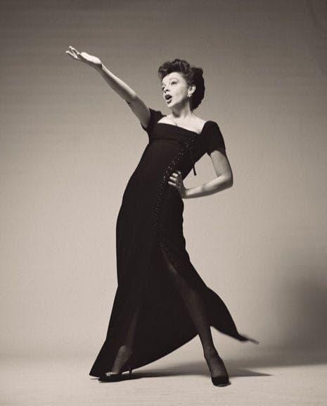 Random True Story Behind 'Judy' And Judy Garland's Final Years