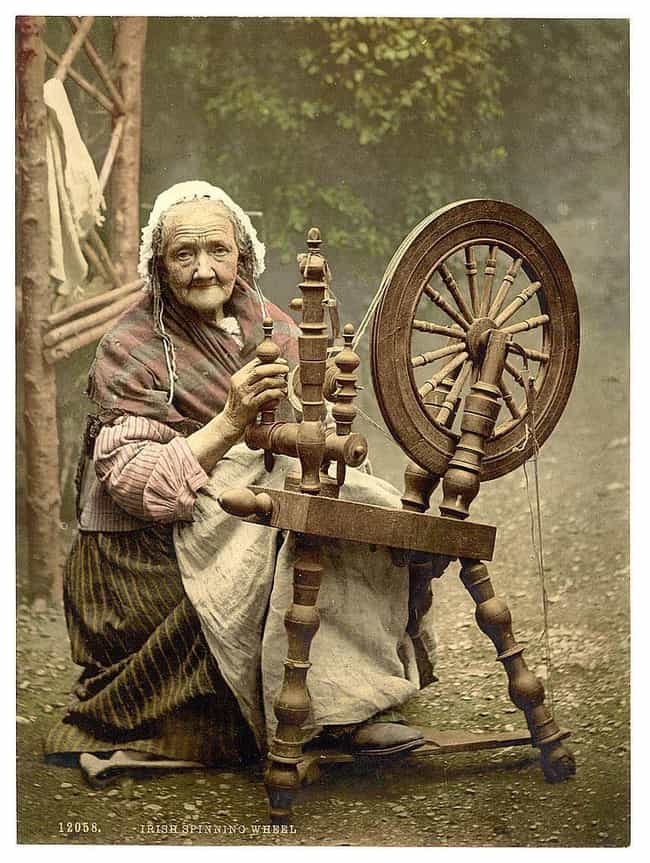 Irish Spinner And Wheel In Ire... is listed (or ranked) 1 on the list 21 Beautiful Colorized Historical Photos Of People From Around The World