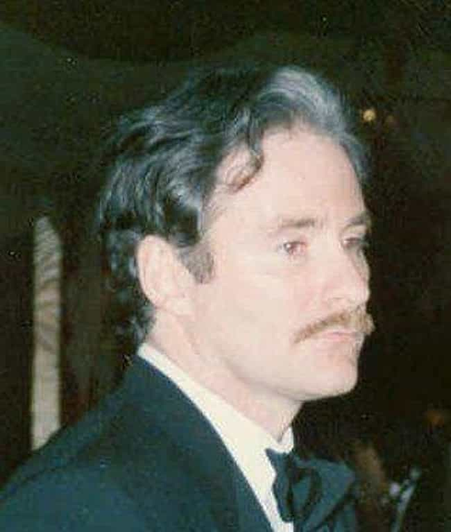 Kevin Kline Was The First Choi... is listed (or ranked) 3 on the list Behind-The-Scenes Stories From 'Death Becomes Her'
