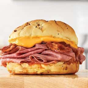 Bacon Beef 'N Cheddar is listed (or ranked) 12 on the list The Best Things To Eat At Arby's, Ranked