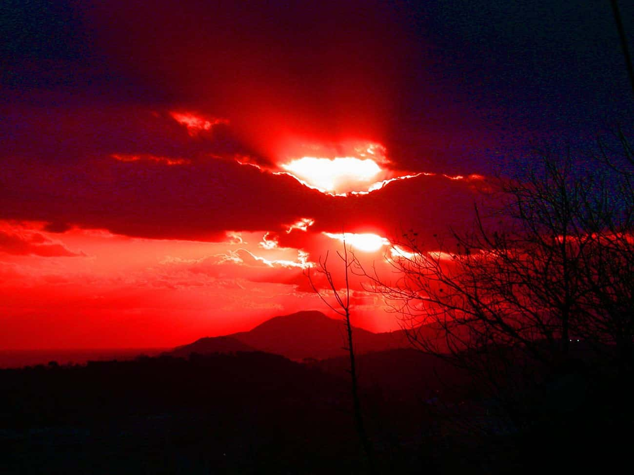 The Color Of The Sky Would Cha is listed (or ranked) 3 on the list If Italy's Campi Flegrei Supervolcano Erupts, It Could Be Even Worse Than Mount Vesuvius