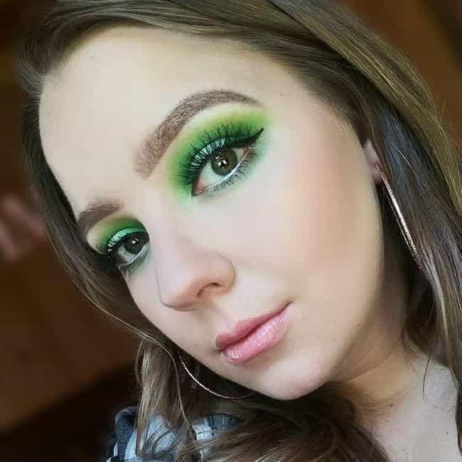 Best Eyeshadow Colors for Hazel Eyes