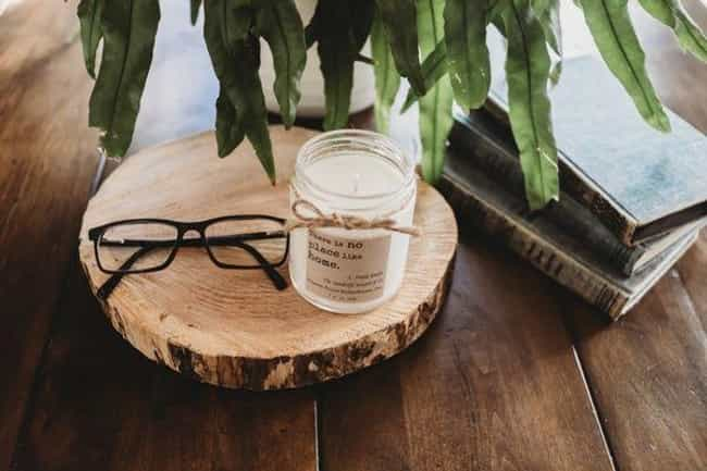 Literary Lights Club is listed (or ranked) 3 on the list The Best Subscription Boxes For Candle Lovers