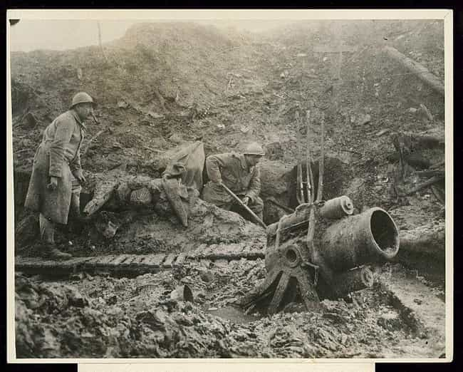 Soldiers Used Either Buc... is listed (or ranked) 1 on the list What Was Hygiene Like For Soldiers In WWI Trench Warfare?