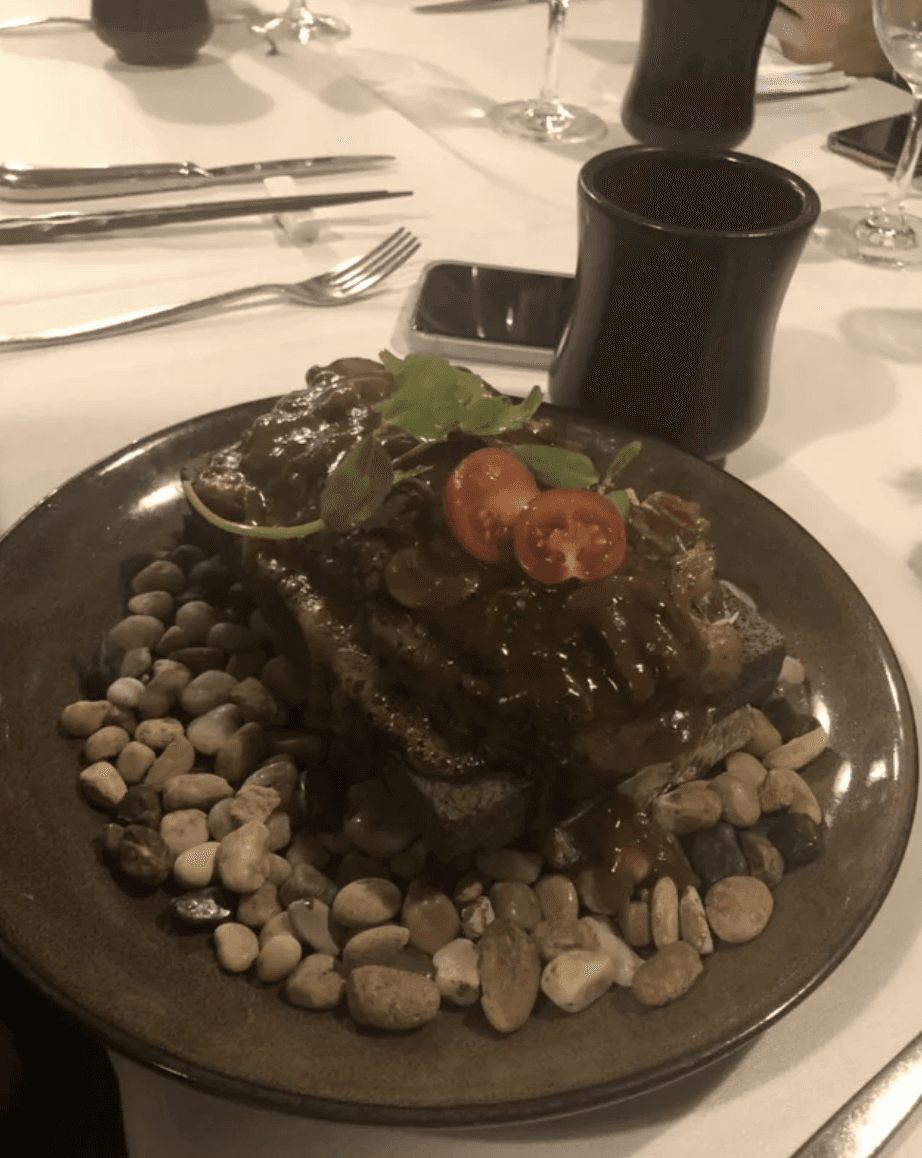 Steak On Stones on Random Heinous Pictures Of Restaurants That Need To Learn How To Use Plates Correctly