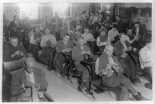 Prisoners Knitting In Sing Sin... is listed (or ranked) 3 on the list 19 Eye-Opening Photos Of Prisoners From History