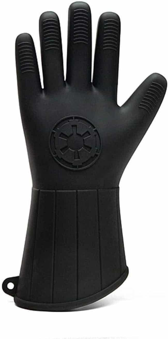 Vader Oven Mitt is listed (or ranked) 4 on the list Amazing Star Wars Gifts From A Galaxy Not So Far Away
