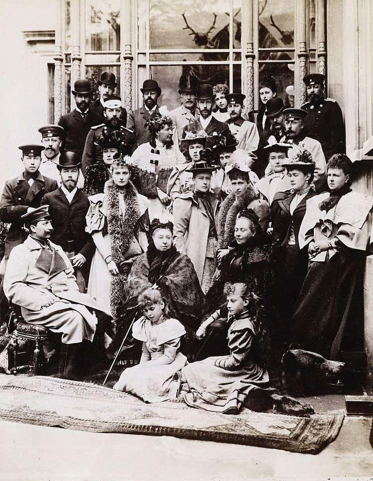 Born Deaf, Alice Was The Great-Granddaughter of Queen Victoria And Daughter Of German Nobles