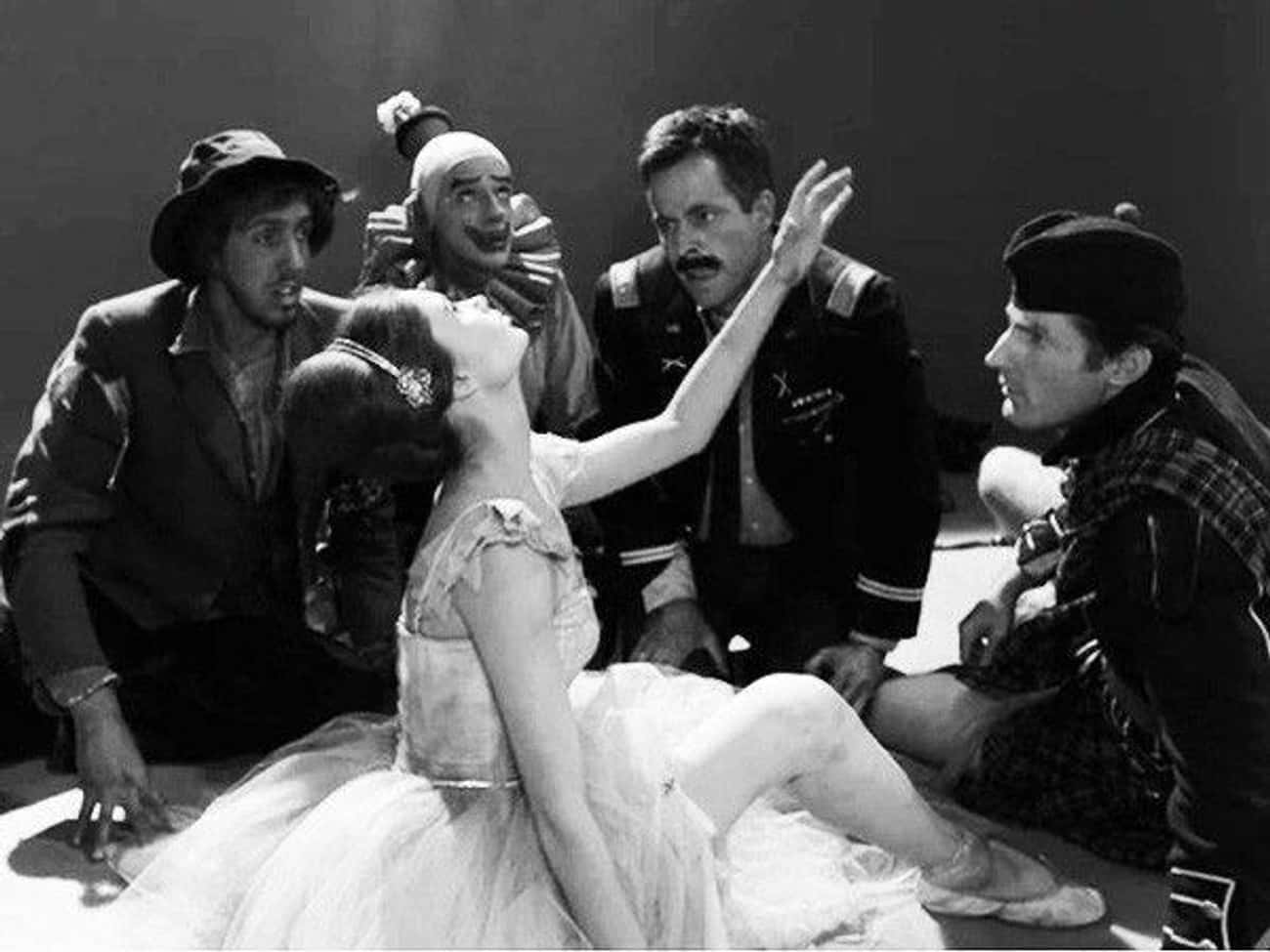 A Clown, Hobo, Army Major, Bagpiper, And Ballerina Are Trapped On 'The Twilight Zone'