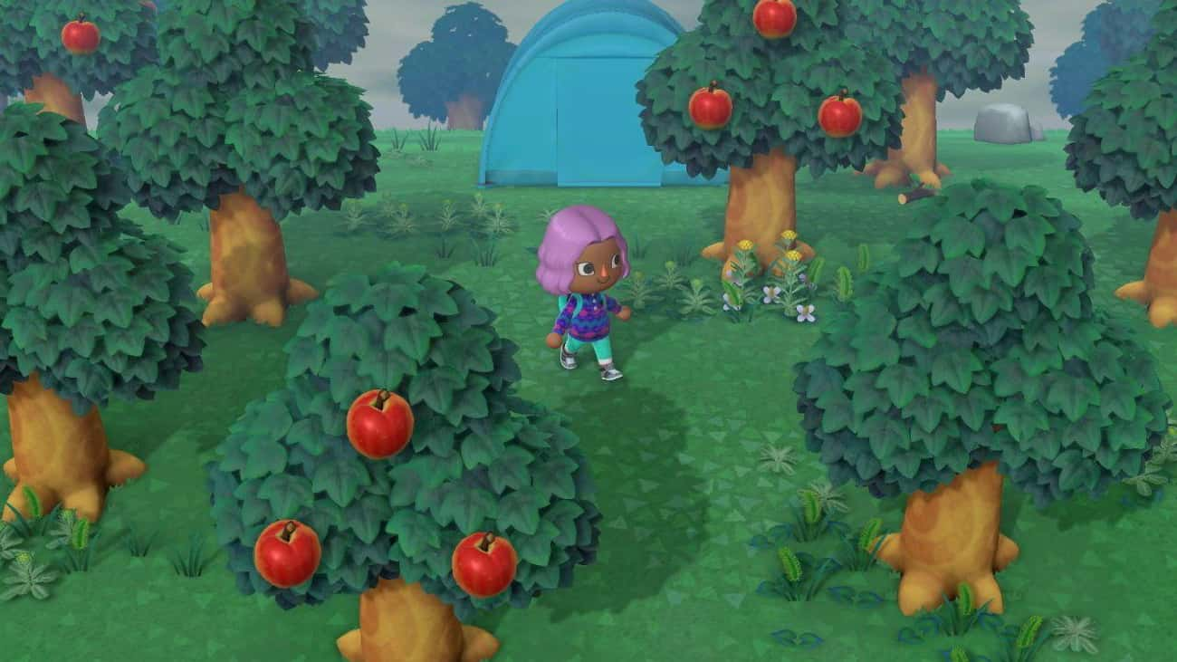 Apples is listed (or ranked) 4 on the list Every Type Of Fruit In 'Animal Crossing: New Horizons', Ranked