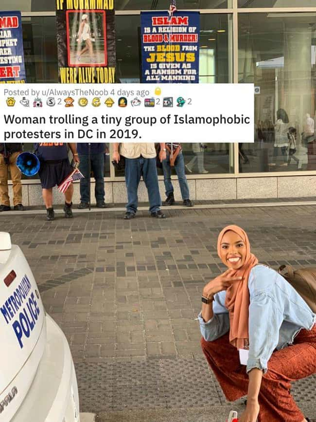 Trolls An Islamophobic Protest is listed (or ranked) 18 on the list 26 Random Photos From This Week That Went Viral