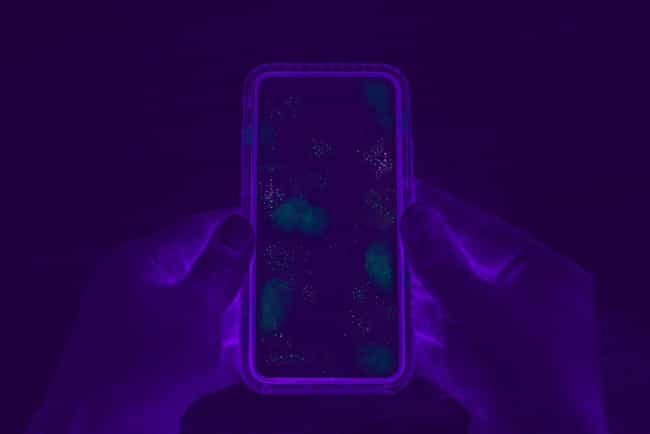 Contaminated Cellphone S... is listed (or ranked) 4 on the list 11 Unsettling Black Light Pictures Of Germs
