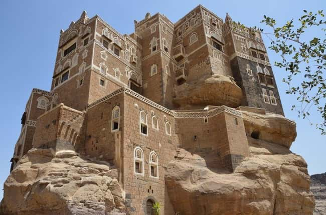 Dar al-Hajar, Yemen (c. 18th C is listed (or ranked) 15 on the list The Oldest Houses In The World That Are Somehow Still Standing