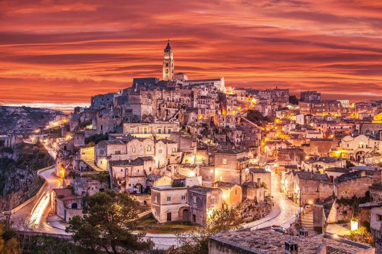 Sassi di Matera, Italy (c. 10, is listed (or ranked) 1 on the list The Oldest Houses In The World That Are Somehow Still Standing