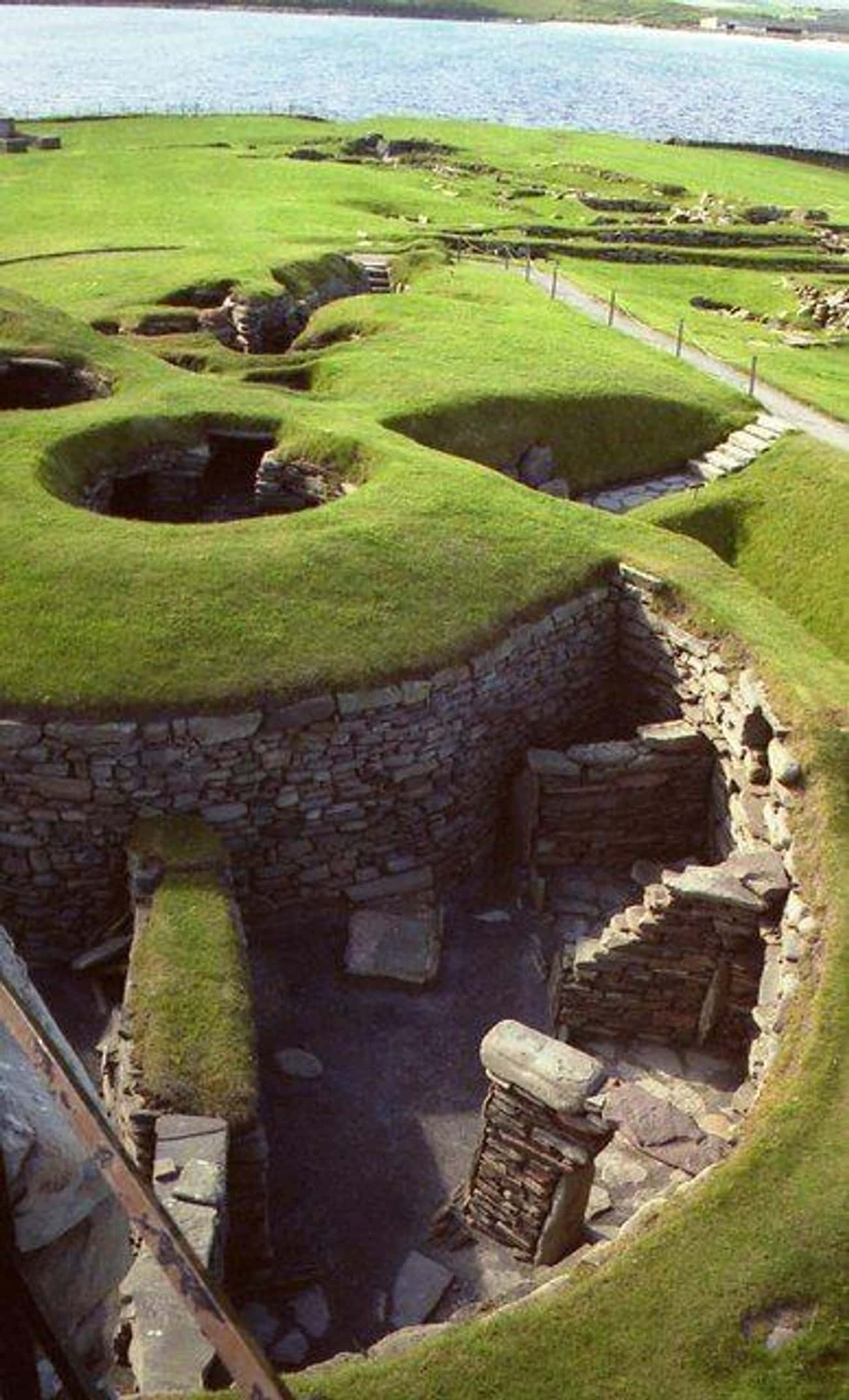 Jarlshof, Scotland (c. 2700 BC is listed (or ranked) 3 on the list The Oldest Houses In The World That Are Somehow Still Standing