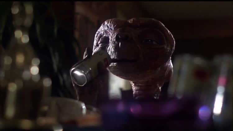 Three Actors Wore E.T.'s Costume, One Of Which Was A 12-Year-Old Walking On His Hands
