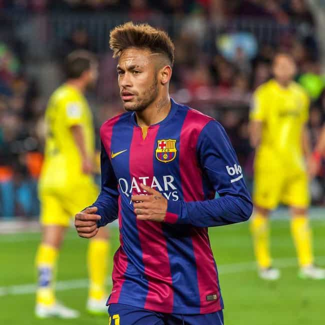 Neymar is listed (or ranked) 3 on the list Chloë Grace Moretz Loves and