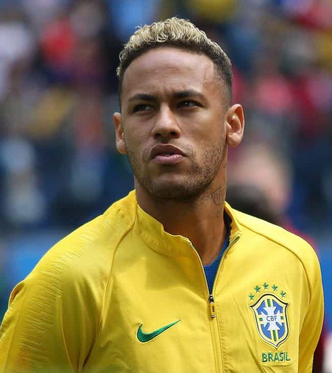 Neymar is listed (or ranked) 4 on the list The Hottest Professional Athletes (Male)