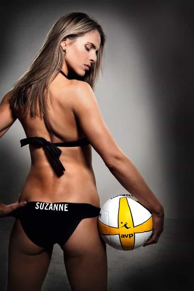 Suzanne Stonebarger is listed (or ranked) 4 on the list The Hottest Golfer Wives and Girlfriends