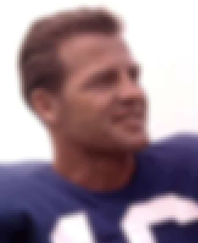 Frank Gifford is listed (or ranked) 4 on the list Famous Bakersfield College Alumni