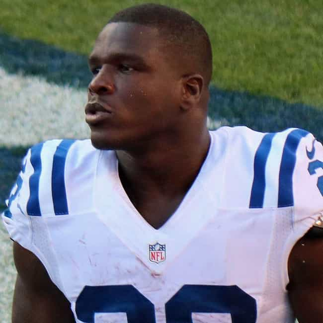 Frank Gore is listed (or ranked) 4 on the list The Oldest Active Players In The NFL Right Now