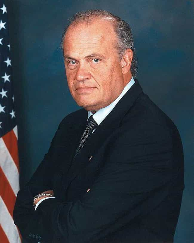 Fred Thompson is listed (or ranked) 33 on the list Dead Actors and Actresses of 2015