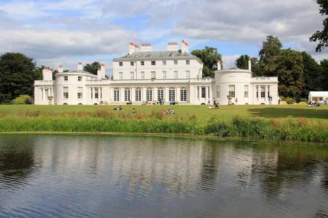 Frogmore House is listed (or ranked) 3 on the list Which Royal Residence Would Be The Best Vacation Destination?