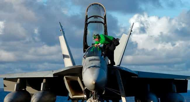 Boeing F/A-18E/F Super Hornet is listed (or ranked) 9 on the list The 10 Maneuverable Aircraft
