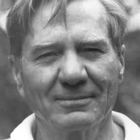 Galway Kinnell is listed (or ranked) 25 on the list Famous People From Rhode Island