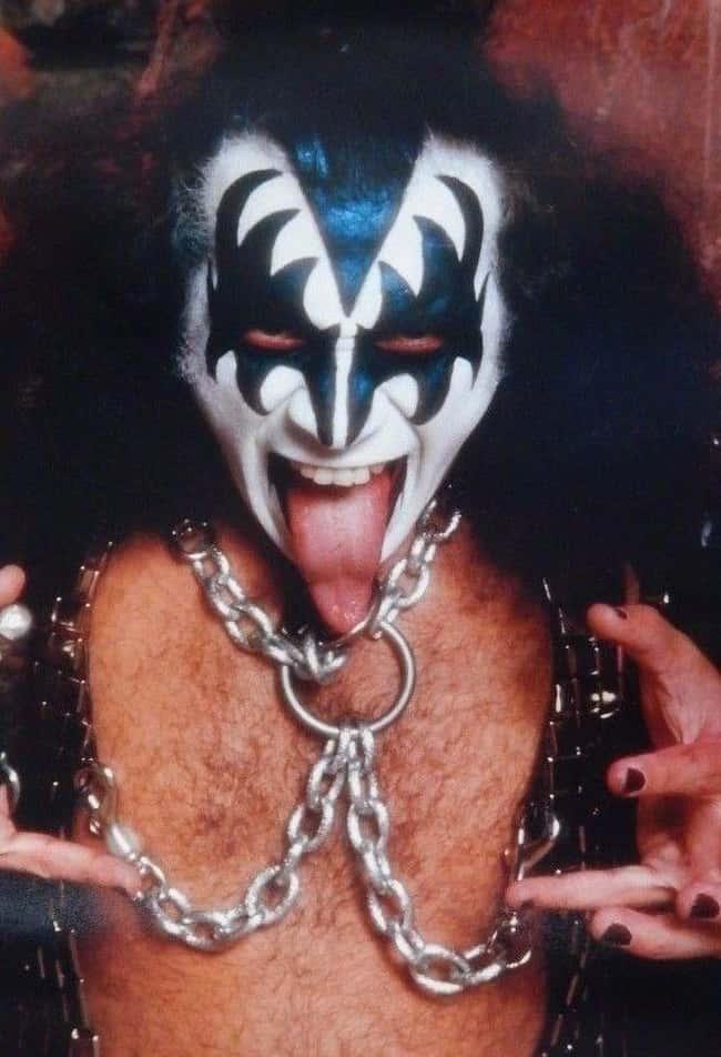 Gene Simmons está en la lista (o clasificado) 7 en la lista Rumores de la Estrella del Rock que nunca fueron verdaderos