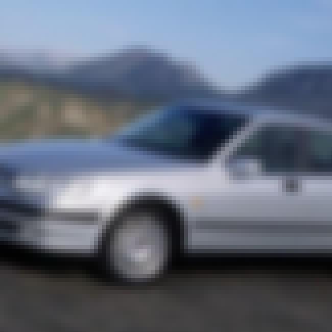 2000 Saab 9-5 Sedan is listed (or ranked) 2 on the list List of Popular Saab 9-5s