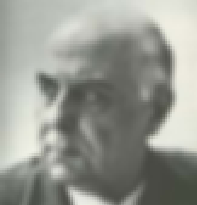 George Seferis is listed (or ranked) 2 on the list Famous People Buried in Proto Nekrotafio